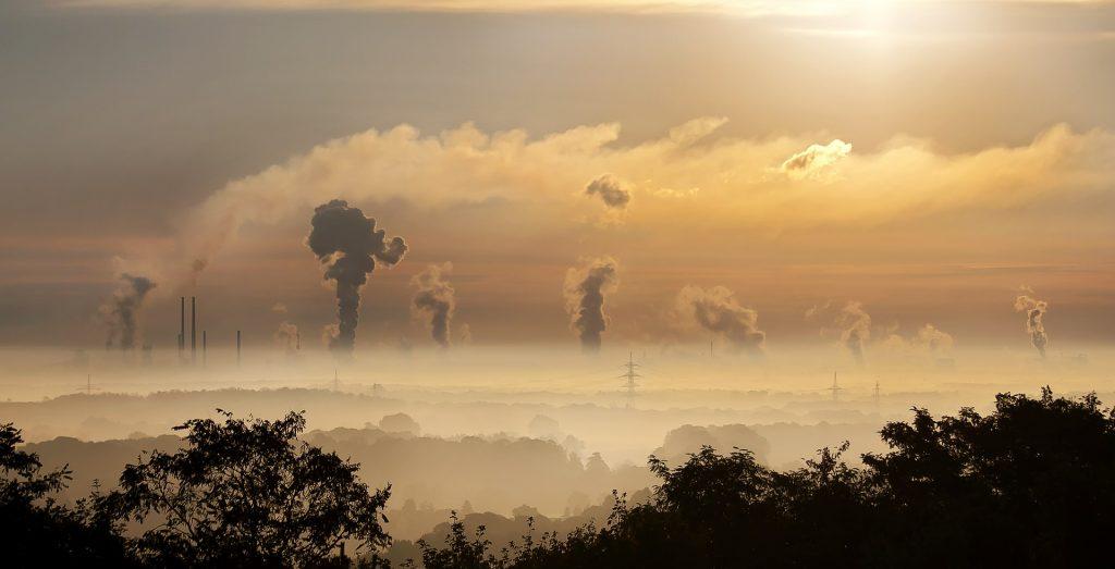 Tehtaiden päästöjä