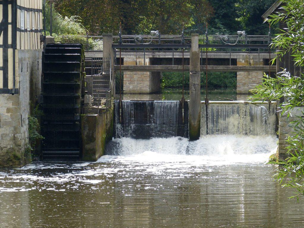 Vesiratas, jolla on tuotettu energiaa veden avulla